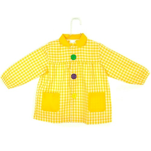 Bata de botones amarillo
